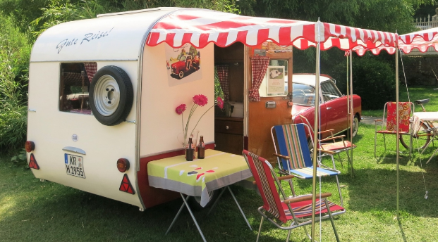 Tips for Traveling in a Caravan
