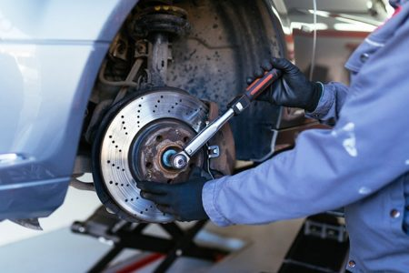 5 Clear Signs Your Car Needs Brake Repair or Replacement